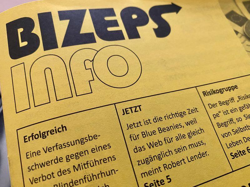 """Zeitschrift BIZEPS info mit Artikel """"Jetzt ist die richtige Zeit für Blue Beanies"""""""