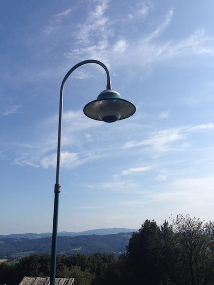 Straßenlaterne mit Lampenschirm