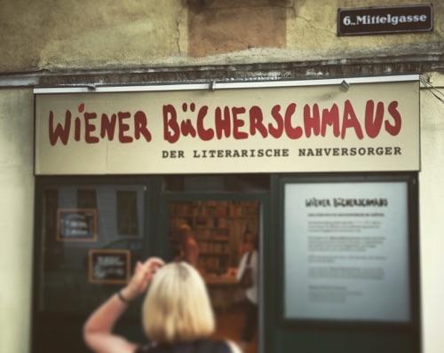 """Frontansicht Geschäft """"Wiener Bücherschmaus"""""""